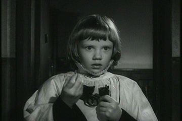 Hayley Mills as Gillie Evans